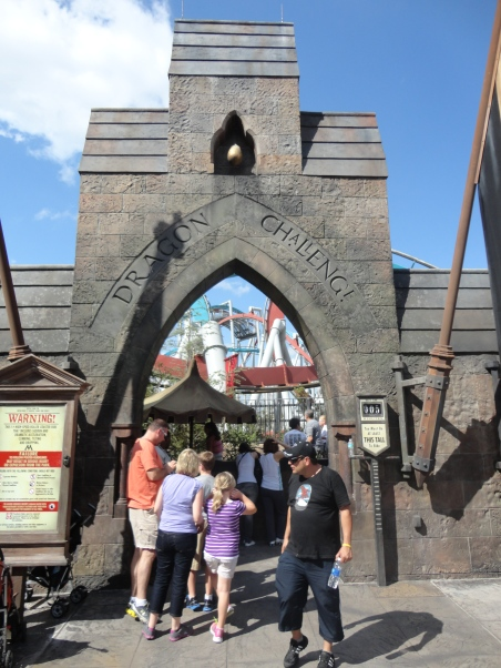 Dragon Challenge Entrance